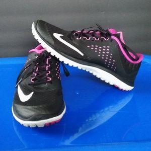 Nike Womens FS Lite Run 2 Running Shoes